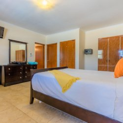 Sail-to-Paradise-Villa-with-Full-of-Amenities